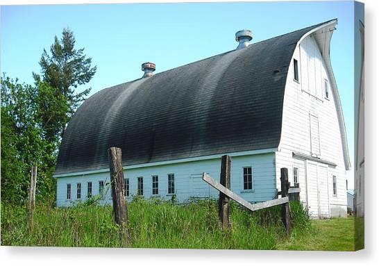 Barn In Longview Canvas Print