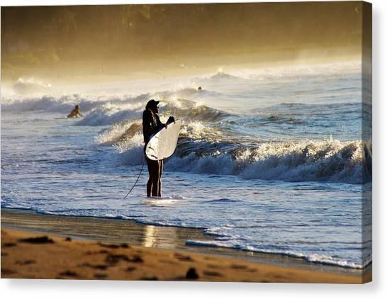 Beach Break Canvas Print by Lennie Green