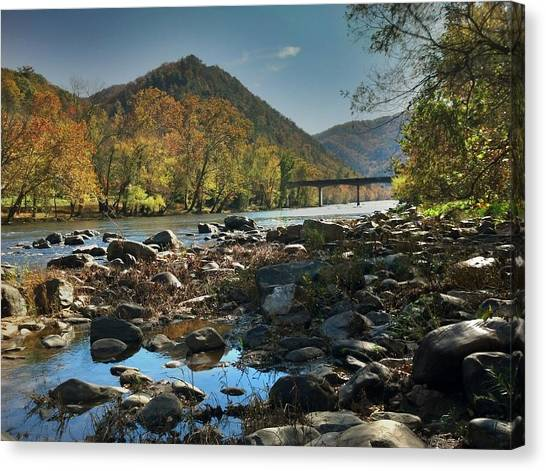 Beautiful Mountaina Canvas Print