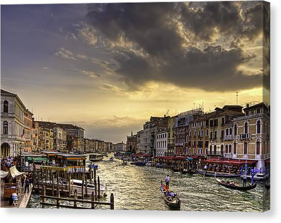 Beautiful Rialto Canvas Print
