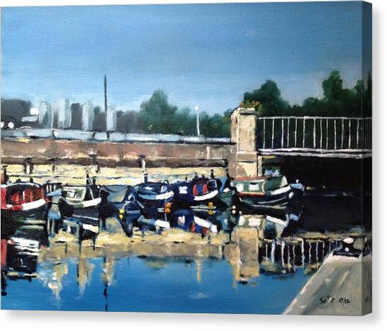 Boats Of Regent's Canal  London Uk Canvas Print by Victor SOTO