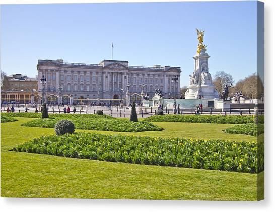 Buckingham Palace  Canvas Print by David French