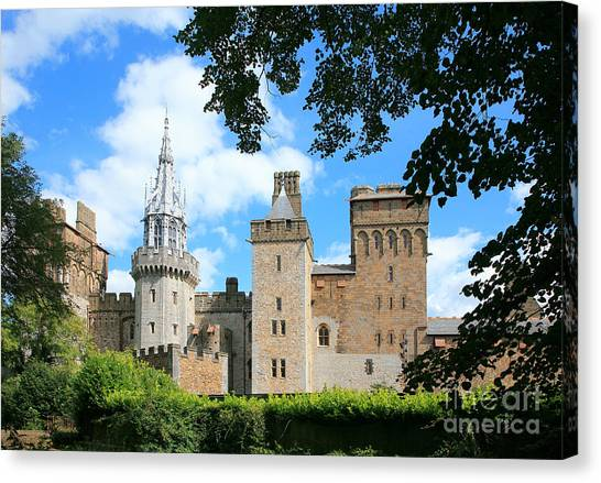 Cardiff Castle Canvas Print by Susan Wall