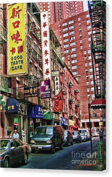 Chinatown Nyc 2 Canvas Print by Anne Ferguson