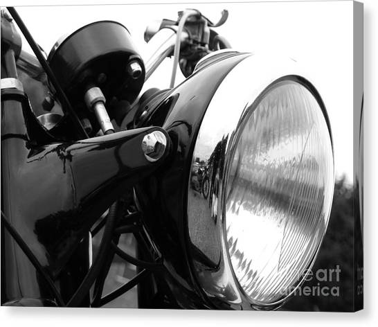 Classic Douglas Headlight Canvas Print by Andrew May