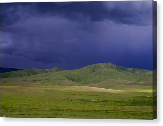 Coming Of The Storm Canvas Print