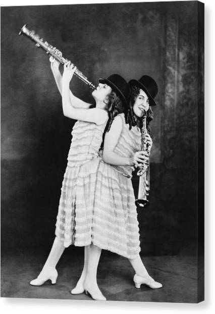 Daisy And Violet Hilton 1908-1969 Canvas Print by Everett