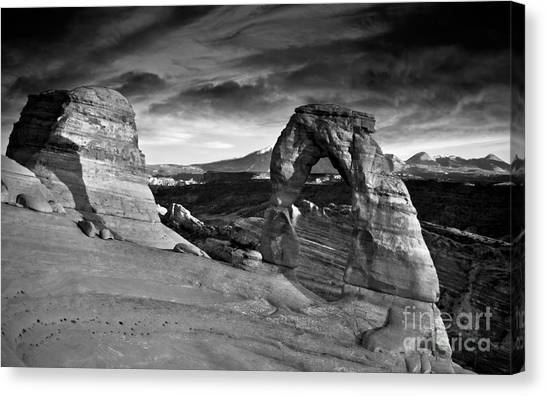 Delicate Arch Bw Canvas Print
