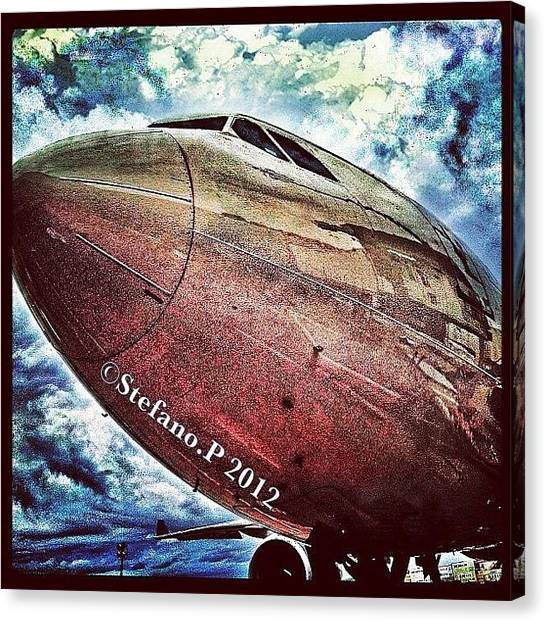 Iphone 4 Canvas Print - Delta Airlines Plane by Stefano Papoutsakis