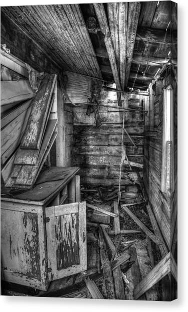 Derelict House Bw Canvas Print by Thomas Zimmerman