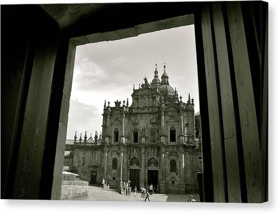 Canvas Print featuring the photograph Destination by HweeYen Ong