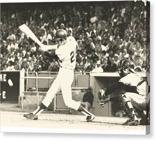 Dodger Wes Parker Batting At Dodger Stadium Canvas Print