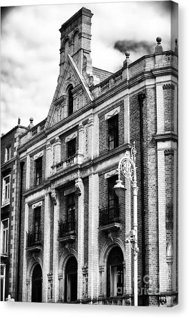 D'olier Chambers Canvas Print by John Rizzuto