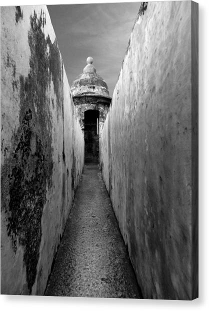 El Morro In Black And White Canvas Print