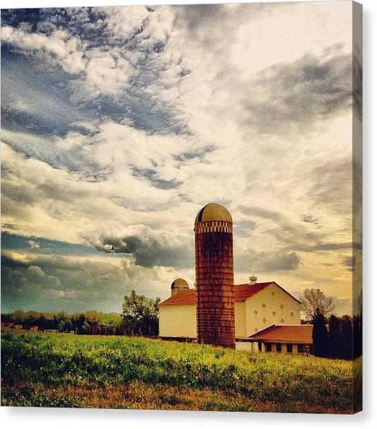 Pennsylvania Canvas Print - Farm In Berks County, #pennsylvania by Luke Kingma