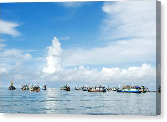 Canvas Print featuring the photograph Fishing Boat by Yew Kwang