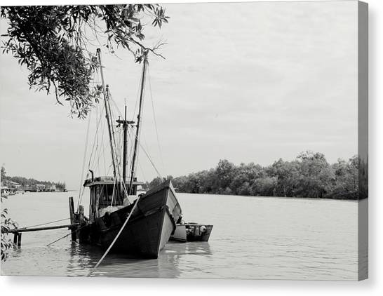 Fishing Bumboat Canvas Print by Photo Copyright of Love Image Lab (by Sim Chin Ping)