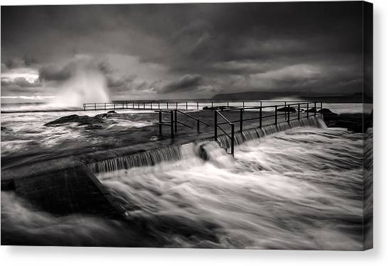 Flowing Mood Canvas Print