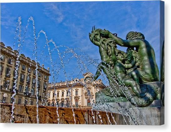 Fontana Di Piazza Solferino Canvas Print