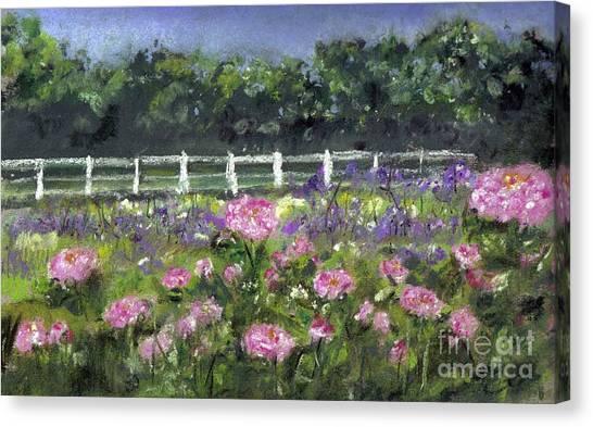 Garden In Vernfield Canvas Print