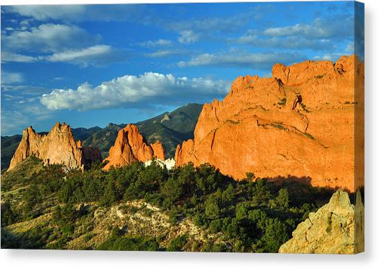 Garden Of The Gods Front Side View Canvas Print by Gene Sherrill