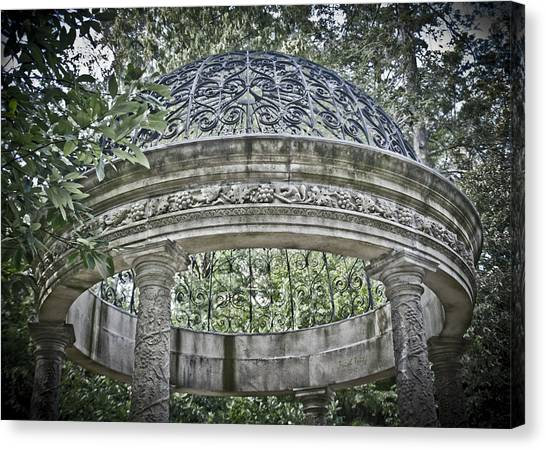 Gazebo At Longwood Gardens Canvas Print