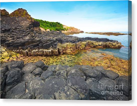 Yen Canvas Print - Giant's Causeway. by MotHaiBaPhoto Prints