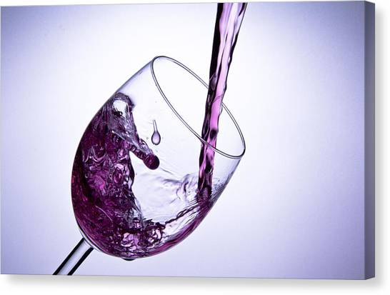 Glas Whit Water 2 Canvas Print by Christoffer Rathjen