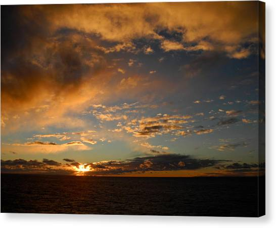Glorious Sunrise On The Indian Ocean Canvas Print