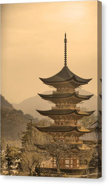 Goju-no-to Pagoda Canvas Print by Karen Walzer
