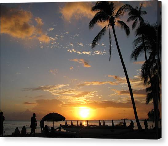 Hawaiian Sunset Canvas Print by Yula Sander
