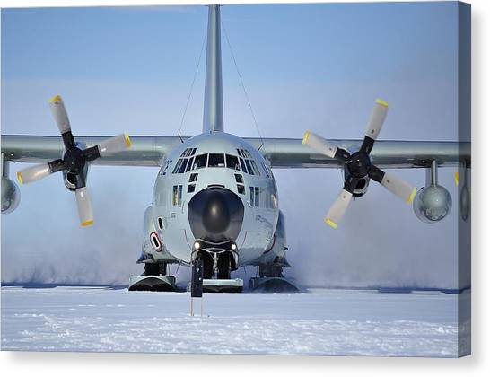 Hercules Lc130h Canvas Print by David Barringhaus