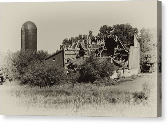 High Winds Old Barn Not Good Canvas Print