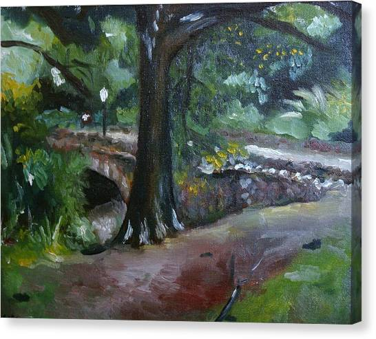 Highland Park Path Canvas Print by Victor SOTO