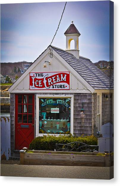 Historic Rockport Center Canvas Print by Erica McLellan