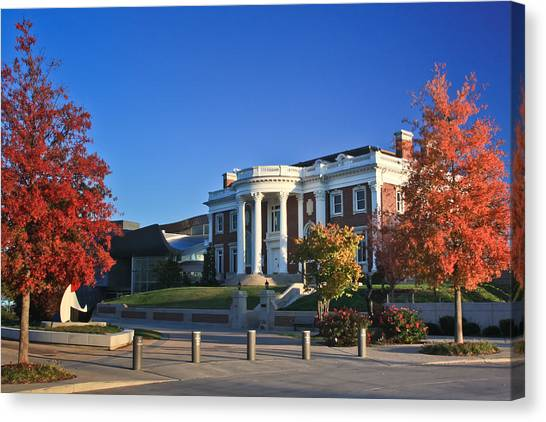 Hunter Museum In Autumn Canvas Print