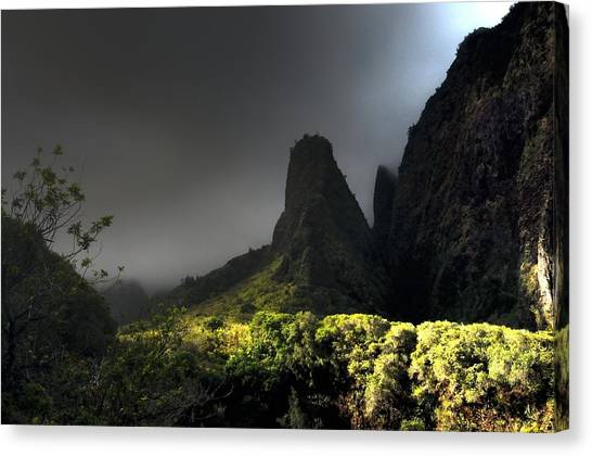 Iao Mountains Canvas Print