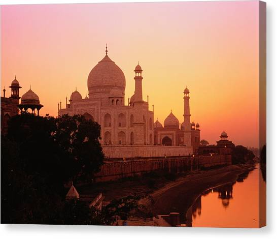 India,agra,taj Mahal And River Yamuna,sunset Canvas Print by David Sutherland