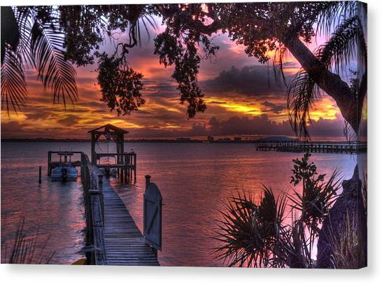 Indian River Sunset Canvas Print by Lisa Goddard