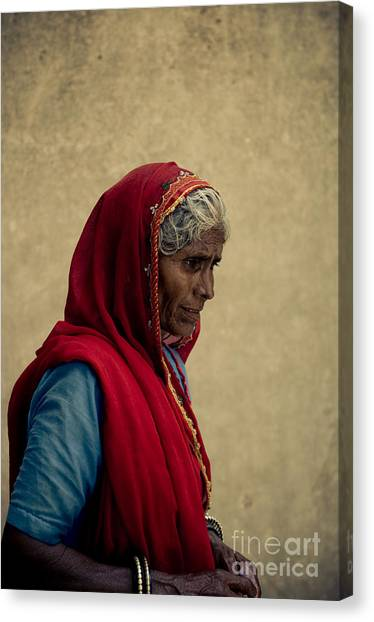 Indian Woman Canvas Print by Inhar Mutiozabal