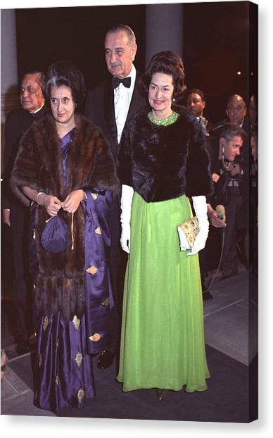 Indira Gandhi With President And Lady Canvas Print by Everett