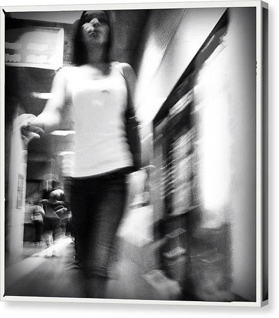 London Tube Canvas Print - #inthesubway #metro #madrid by Geovanny Ardila