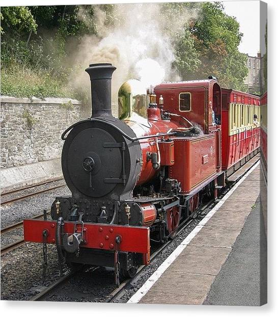 Locomotive Canvas Print - Isle Of Man Steam Railway No 10 g H by Dave Lee