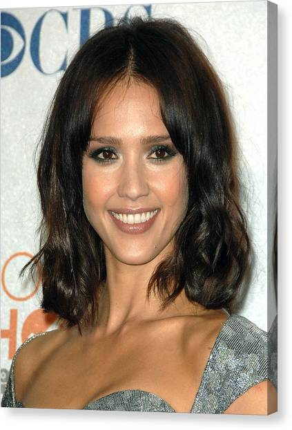 Jessica Alba Canvas Print - Jessica Alba In The Press Room by Everett