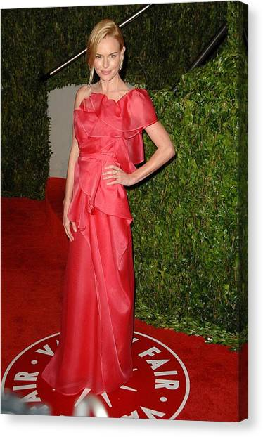 Kate Bosworth Wearing A Valentino Gown Canvas Print by Everett
