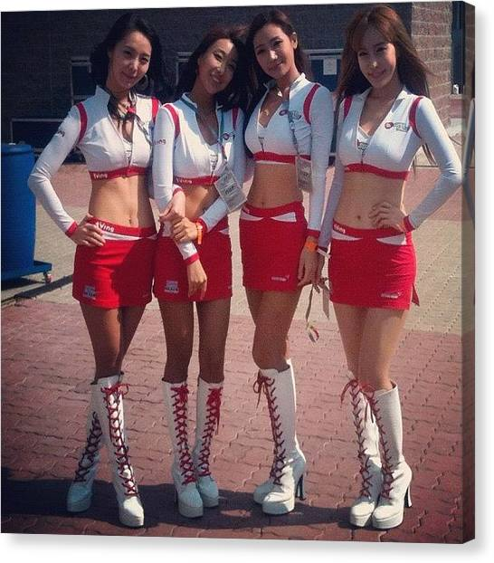 Korean Canvas Print - Korean Gridgirls by Stephan Vereno