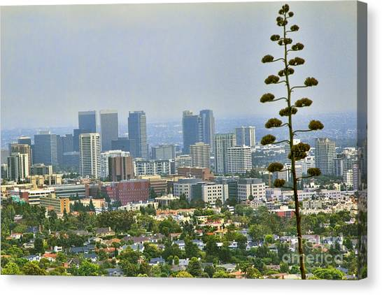 J Paul Getty Canvas Print - L.a County by Chuck Kuhn