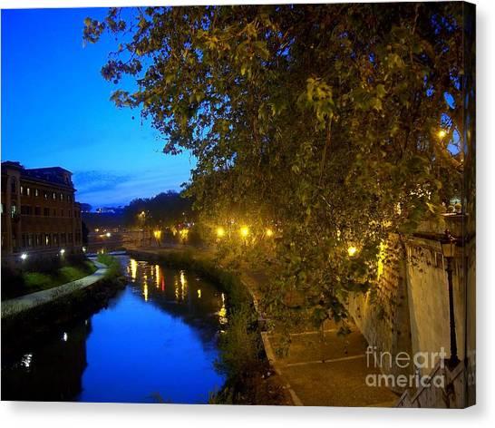 la notte sul Tevere dal Ponte Fabricio Canvas Print