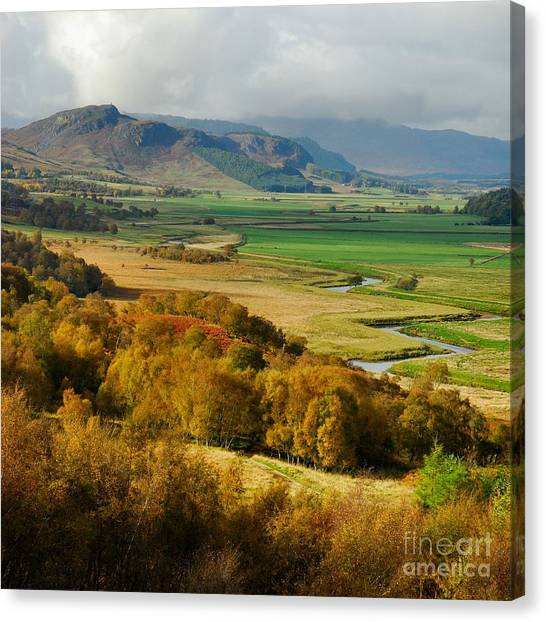 Laggan Autumn - The Clan Mcphersons Seat Canvas Print by John Kelly