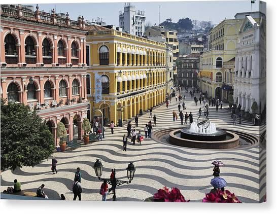 Largo Do Senado (senado Square) Canvas Print by Manfred Gottschalk